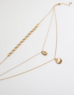 gold-layered-shell-pendant-necklace